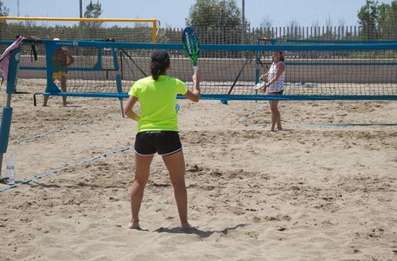 Freizeitaktivitäten in Hamburg | Beach-Tennis spielen