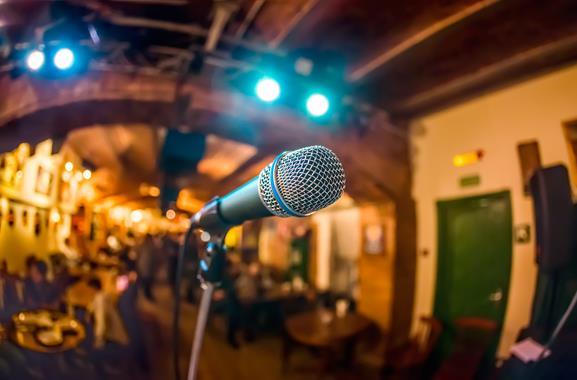 Freizeitaktivitäten in Hamburg | Poetry-Slam besuchen